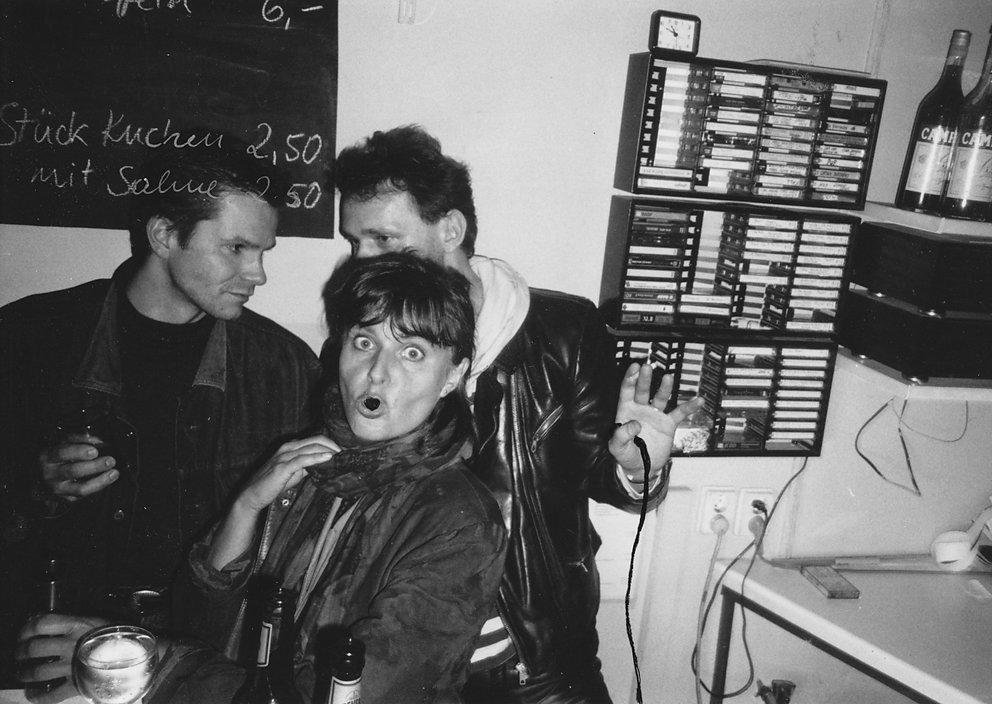 nach der Grenzöffnung mit Bert Papenfuß und Durs Grünbein, 1989