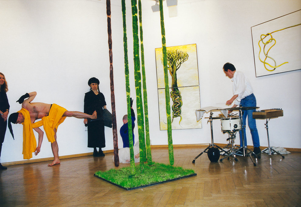 "Galerie Pankow, Performance mit Fine, Lole und Simon Jakob Drees ""Reservate"", 2000"