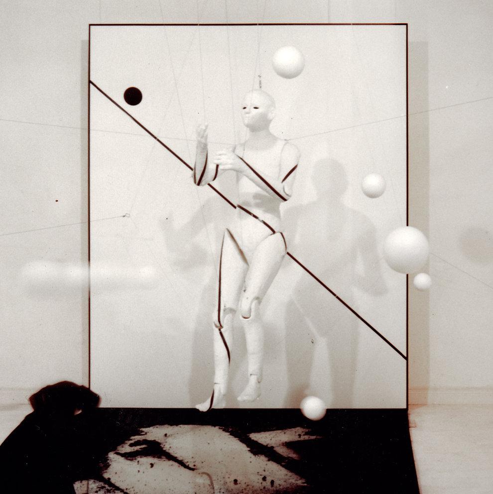 """""""Raum-Figur-Bild - Die bewegte Linie"""", Nachtbogen III, Berlin, 1993"""