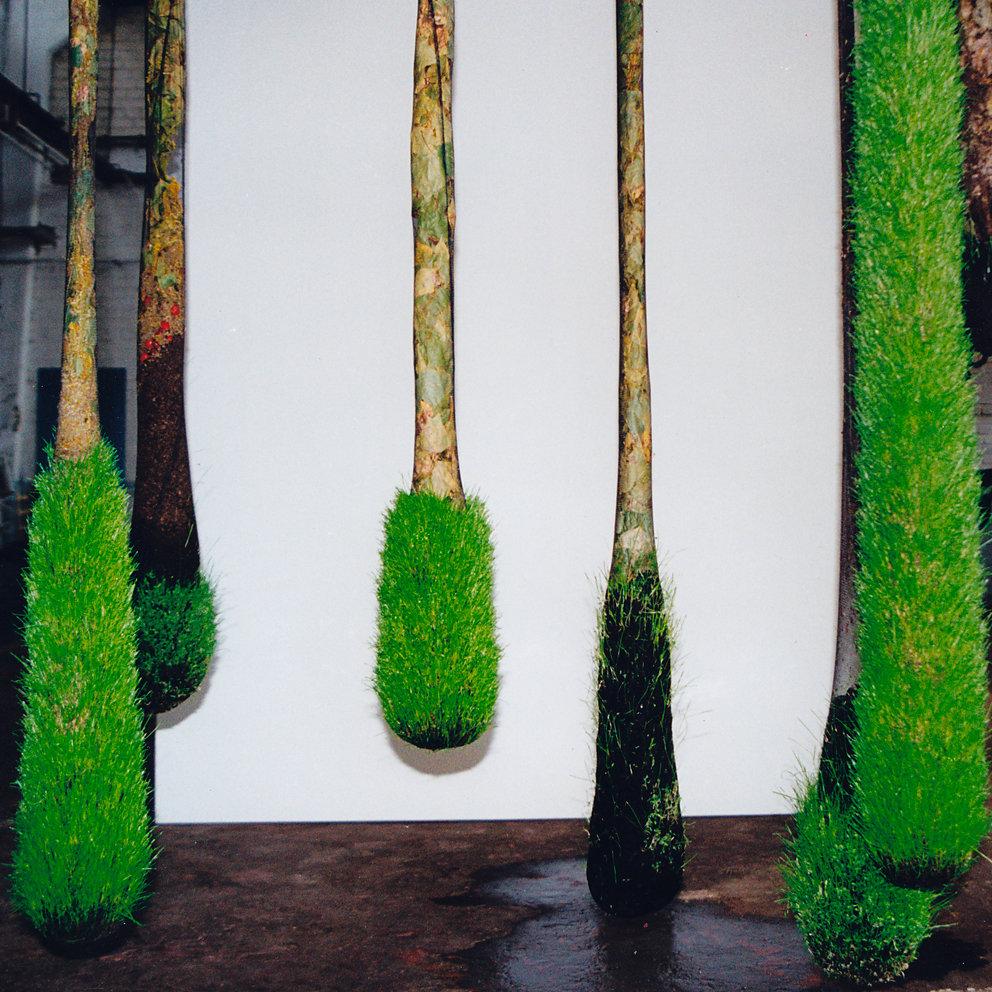 """""""Hängende Gärten - Unruhe"""", Panzerhalle Groß Glienicke, Berlin, 1999"""