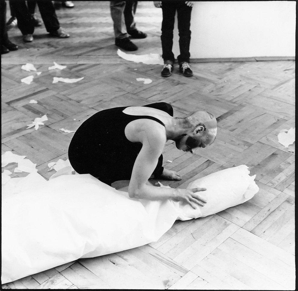Performance mit Fine  zur Ausstellung Galerie Nord, 1985 / © Th. Florschuetz